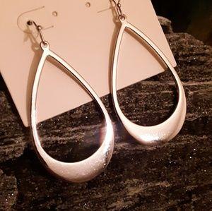 Minimalist Silver Teardrop Dangle Earrings